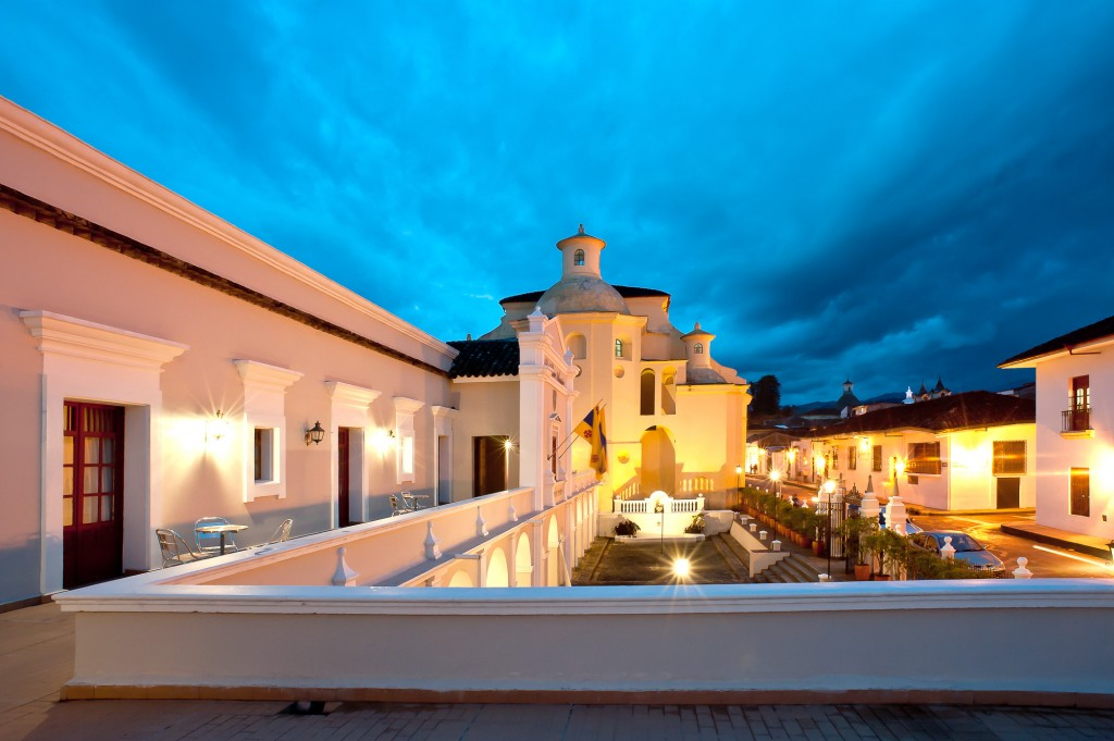 Terrace (street view) - Hotel Dann Monasterio (Popayan, Colombia