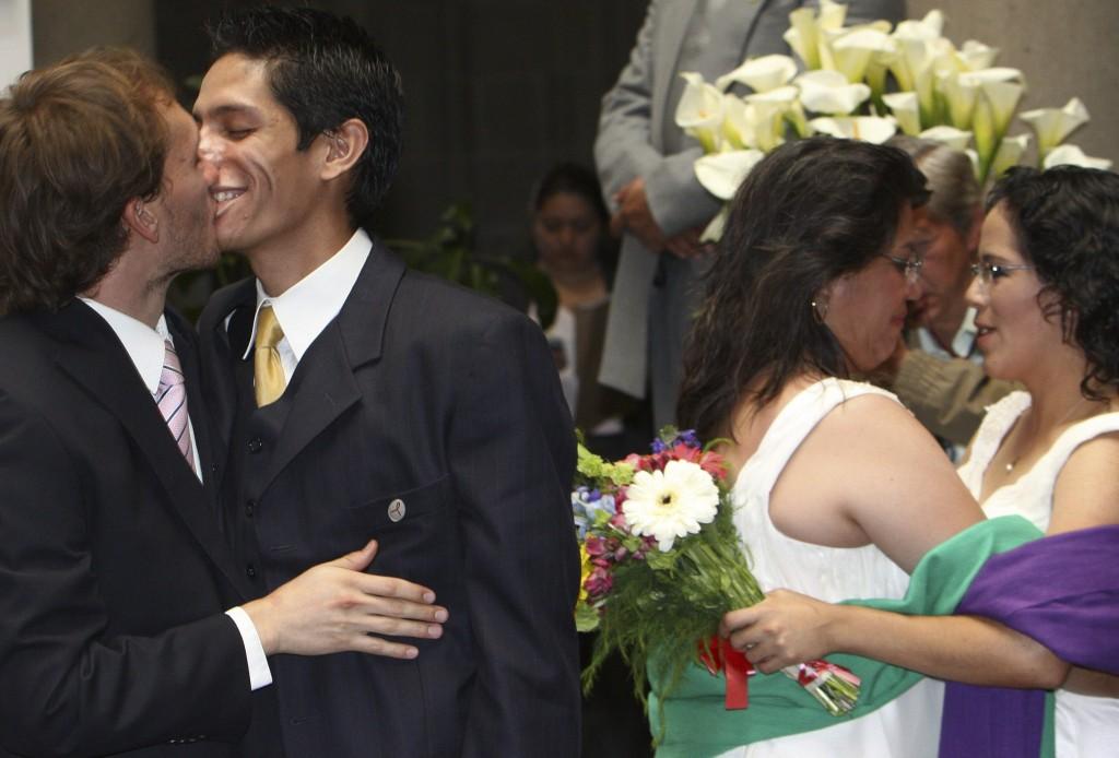 Matrimonio Mismo Sexo Biblia : Observatorio las confidencias primicia diario