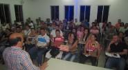Gerney Ríos, con sus alumnos semana a semana es el encuentro académico que permite la capacitación de gente trabajadora. Foto Primicia  Pablo Parra S. Escritor chileno Especial Primicia Diario […]