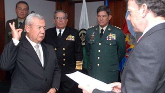El pundonor militar alcanzó en este distinguido oficial del Ejército colombiano, Fernando Tapias Stahelin su punto más alto. Le venía de sus ancestros el respeto por las ideas ajenas, las […]