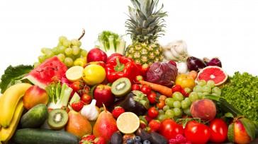 Las investigaciones revelan que ciertos alimentos, particularmente los vegetales como las hortalizas de hoja verde, los frutos secos y los arándanos, pueden ayudar a conservar el funcionamiento cerebral. La dieta […]
