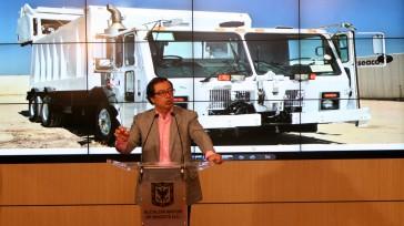Gustavo Petro como alcalde de Bogotá cometió irregularidades en el esquema de las basuras, donde los habitantes de Bogotá hemos tenido que pagar hasta el momento 100mil millones de pesos […]