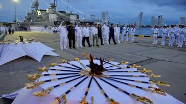 Necesitamos aún más unas Fuerzas Armadas fuertes, eficaces, eficientes, cumpliendo con su deber, dijo el Presidente de la República , al entregar los sables a oficiales de la Fuerza Naval […]