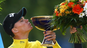 Chris Froome saborea la gloria en París por tercera vez.  El ciclista británico sella un nuevo triunfo en el Tour de Francia, cruzó la línea de meta de los […]