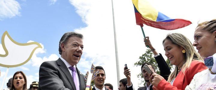 «El plebiscito facilita la decisión del pueblo», dijo el Presidente Santos al entregar en el Congreso el Acuerdo Final para poner fin al conflicto armado y construir una paz estable […]