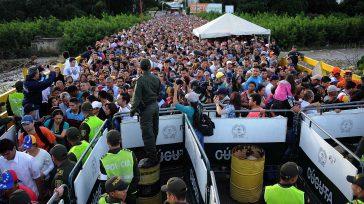 Más de 28 mil personas se han movieron entre Colombia y Venezuela durante las primeras horas de reapertura de la frontera entre ambos países, informó este sábado Migración Colombia.  […]