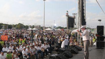 El Presidente Santos encabezó ante más de 20.000 personas el evento «Barranquilla celebra la Paz», donde convocó a los colombianos a usar el poder del voto para dejar un país […]