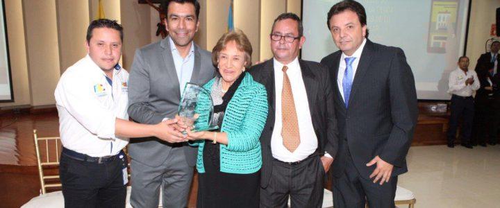 La EIC, es una empresa industrial y comercial creada en 1996, por la administración departamental de la entonces gobernadora, Leonor Serrano de Camargo, con el objeto de celebrar desarrollar y […]