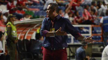 Hernán Torres, fue el artiofice como técnico del América de Cali, para que ascendiaria a la A y para lograr el campeonato en la B.    América no […]