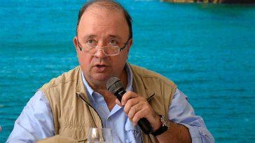 Luis Carlos Villegas Columnista Invitado      Sin sorpresa pero con auténtica preocupación, el Gobierno de Colombia ha recibido el anuncio de un importante incremento, durante el […]