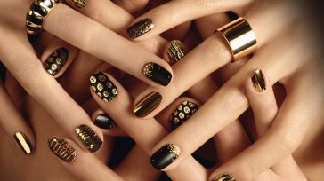 Mantenga las uñas de las manos muy bien cortadas y redondeadas con una suave curva en la punta. Si desea hacerse la manicura, elija un salón de belleza con autorización […]