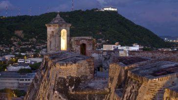 La Popa es uno de los símbolos históricos de Cartagena, que esta en peligro, ante la invasión de terrenos aledaños que han logrado erosionar el cerro y que puede desaparecer. […]