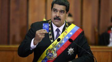 El presidente de Venezuela, NicolásMaduro, ofreció este viernes a los presidentes de Estados Unidos y Colombia, Donald Trump y Juan Manuel Santos, el apoyotécnico y militarde Venezuela para luchar contra […]