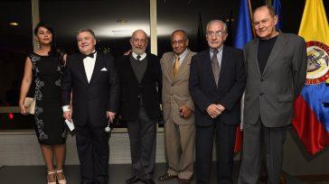 De izquierda a derecha, Peithi García, esposa del Señor Embajador de la República Checa en Colombia;Milos Sklenka, Señor Embajador de la República Checa en Colombia; y los directores de cine […]