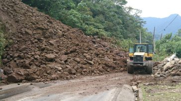 Seis derrumbes se han producido en total y han tenido demoras abriendo el paso al corregimiento del Valle, que es la única vía que tienen hacia el municipio y que […]