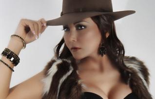 Scarlet LinaresLa Guayanesa de Orocantante venezolana de coplas llaneras está viviendo su mejor momento estelar en su carrera artística.     La ex corista del cantautor Luis […]