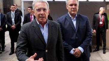 Álvaro Uribe siempre mostrándole el camino a Iván Duque. Ahora ambos afrontan una demanda por perdida de investidura. EFE.      El senador Alvaro Uribey su candidato […]
