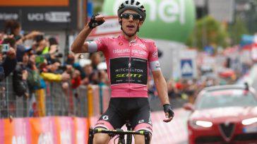 Simón Yates, dio una amplia demostración de ser un líder.    El ciclista británico Simon Yates (Mitchelton-Scott) ofreció una nueva demostración de fuerza en la decimoquinta etapa del […]