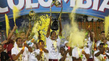 Tolima, celebra por segunda vez ser campeón del fútbol colombiano.   Deportes Tolima ganó este sábado su segunda estrella en el fútbol profesional colombiano al derrotar por los tiros […]