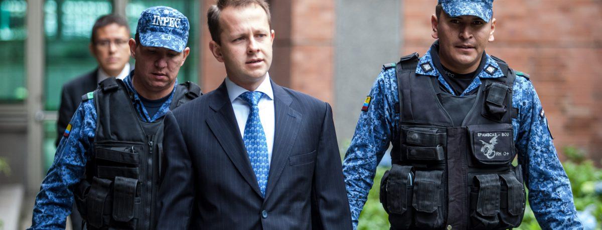 Andrés Felipe Ariasdeberá segur detenido en un centro de reclusión deFlorida mientrascontinúan los trámitespara su extradiciónal país.        La juezAndrea Simonton, de laCorte del […]