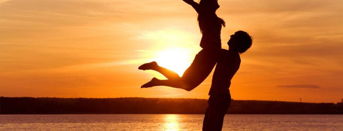 Según expertos en el tema, cuando en las encuestas los individuos responden que sí son felices, esto no significa que ellos estén constantemente alegres y plenos, sino que no son […]