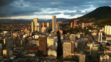 Mapas Bogotá es una plataforma gratuita de información geográfica oficialque se puede consultar desde el celular, tableta o PC; y que durante esta administraciónha sido visitada por más de un […]