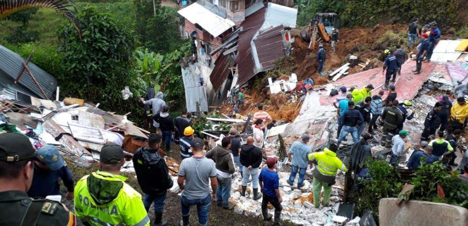 Once muertos, entre ellos varios menores, y 3 personas desaparecidas, el el saldo que deja un deslizamiento en Marquetalia Caldas, como consecuencia del invierno que se presenta en la región. […]