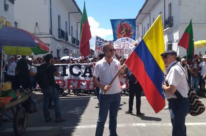 El rector de la Universidad del Cauca, José Luis Diago Franco, marchando en defensa de la educación pública, junto con sus estudiantes y profesores. Los politiquerosen el Cauca, pusieron «el […]