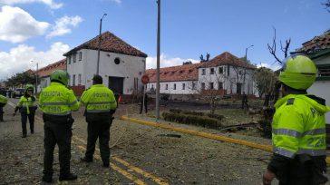 Una fuerte explosión se registró en la mañana de este jueves al interior de la Escuela de Policía General Santander y habría causado al menos 21 y 10 heridos.  […]