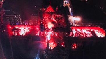 Vista de la catedral por un dron de la policía francesa.Un virulento incendio se ha declarado en la catedral de Nôtre Dame, en París.Al menos el techo del edificioha caído. […]
