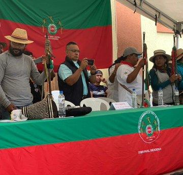 El presidente Duque le incumplió a los indígenas. La silla destinana al Jefe del Estado permaneció vacía y los indígenas procedieron a adelantar su asamblea, donde anunciaron nuevos movimientos de […]