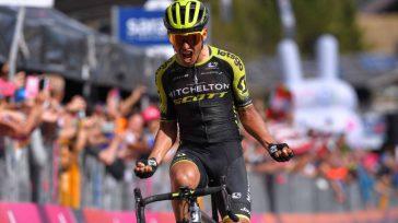 Esteban Chaves momento de triunfo de la etapa. Grita a mas no poder.     Esteban Chavesvolvió a demostrar que el Giro de Italiaes la carrera que mejor […]