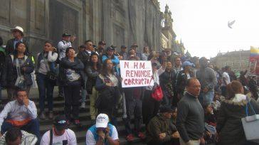 Varias semanas atrás se presentaron varias manifestaciones de la ciudadanía solicitando la renuncia del Fiscal Nèstor Humberto Martìnez. La solicitud se hizo realidad. El dimitente argumento que su renuncia obedece […]