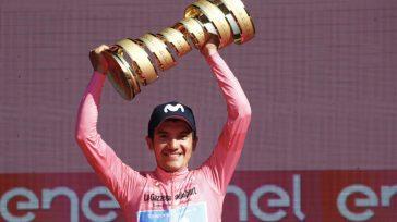 Richard Carapaz, con el trofeo de campeón del Giro de Italia.AFP       Richard Carapazse convirtió en el nuevo rey del ciclismo mundial al conquistar elGiro […]