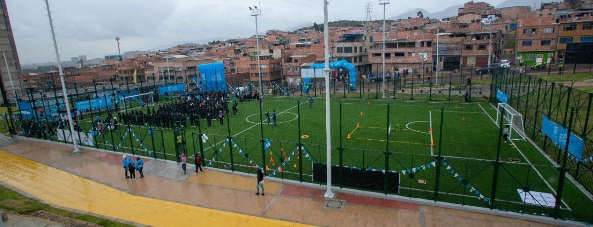Este nuevo espacio, que beneficiará a más de 311 mil habitantes, cuenta con: cancha sintética fútbol 7, gimnasio al aire libre, zona de juegos infantiles con piso en caucho para […]