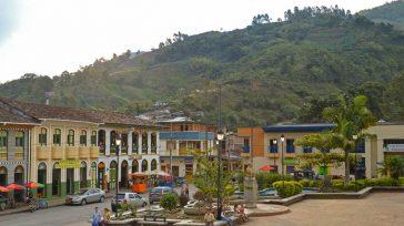 Pijao está certificado como destino turístico sostenible. Es uno de los pueblos más bonitos de la zona cafetera.   *Tomado del libro El Poder de la ciudadanía, veinte relatos […]