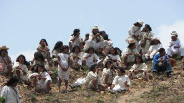 Indígenas de los pueblos Kogui, Wiwa, Arhuaco y Kankuamo, son víctimas de la violencia.     *Tomado del libro El Poder de la ciudadanía, veinte relatos de la […]