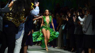 Jennifer López causó sensación en la pasarela de Milán al desfilar para Versace, una sorpresa en el cierre de un certamen que se dejó llevar por la selva amazónica de […]