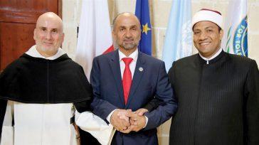 Ahmed bin Mohamed Aljarwan, está viajando por el mundo llevando el mensaje de paz y tolerancia.    En el Parlamento Internacional para la Tolerancia y la Paz (IPTP), […]
