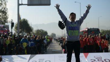 Triunfadora  Claudia López, alcaldesa de Bogotá encabezó la jornada cívica «Dia sin Carro». La jornada fue exitosa por la masiva participación de la ciudadanía en bicicletas, patines, patinetas. El […]