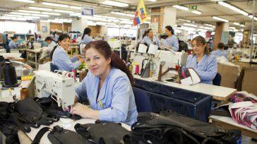 Taller de costura     Las empresas colombianas destacan cada vez más la importancia de las mujeres dentro de las organizaciones, comprometiéndose a empoderarse en sus roles e […]