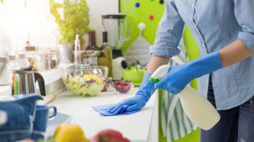 Reponer trapos y bayetas, limpiar y desinfectar y colocar bien los alimentos son instrucciones básicas.     Aunque se haga el aseo regularmente en las casas, con motivo […]