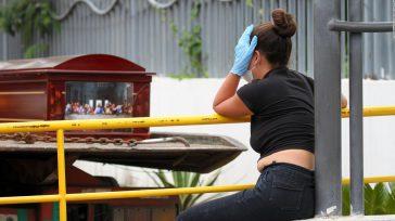 El colapso del sistema funerario producto de esta crisis es de tal magnitud que el presidente de Ecuador, Lenín Moreno, debió conformar una fuerza de tarea conjunta para poder enterrar […]
