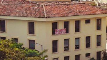 Confidencias: ALTA TENSIÓN Desde la esquina     ARRIENDAN LA PRESIDENCIA Sorpresa causa un aviso en una de las ventanas del edificio administrativo de la Presidencia de la […]
