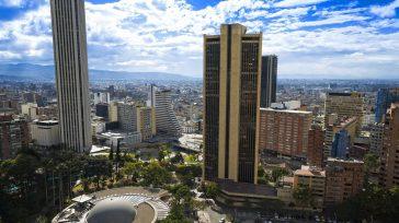 Bogotá en pandemia afronta una aterradora persecución con las llamadas cámara «salvavidas» autorizadas por el gobierno nacional para multar a quien sobrepase la velocidad de 50 kilómetros por hora.  […]