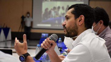Confidencias: ALTA TENSIÓN    IRRESPONSABILIDAD DEL VICEMINISTRO En Barranquilla hay pánico al conocerse que el viceministro del Interior Daniel Palacios estuvo en una reunión con el tapabocas en […]