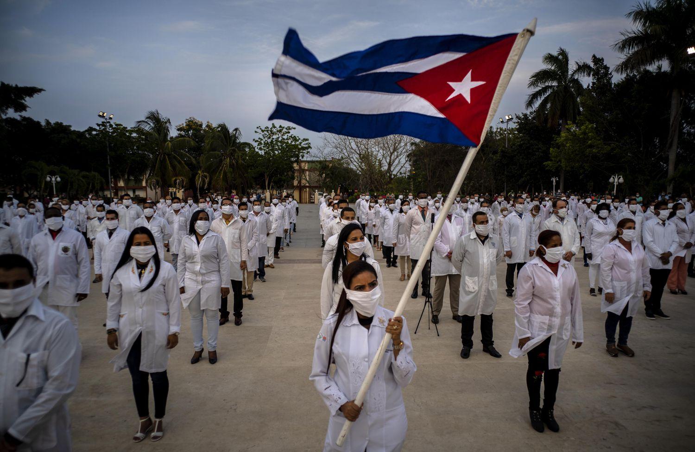 Revista colombiana resalta petición de otorgar Nobel de la Paz a médicos cubanos