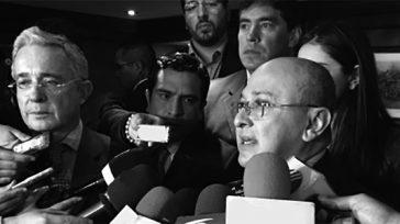 Confidencias: ALTA TENSIÓN   DE CASTAÑO A OSCURO La pelea cazada por el senador Alvaro Uribe y el exfiscal Eduardo Montealegre pasó de «castaño a oscuro» según opinan líderes […]