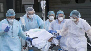 Confidencias: ALTA TENSIÓN MÉDICOS CUBANOS El ministro de Salud Fernando Ruiz, no descartó totalmente la solicitud de los médicos cubanos para ayudar a controlar la pandemia en Colombia. «Creemos que […]