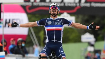 JulianAlaphilippe    El Campeonato del Mundo de Ciclismo enImola, Italia y fue el francésJulianAlaphilippequien se quedó con el maillot arcoíris de campeón, tras imponer su clase en el […]